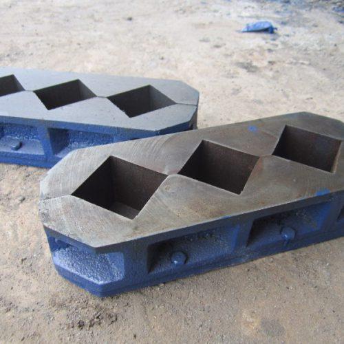 cetakan beton trigang / kubus mini