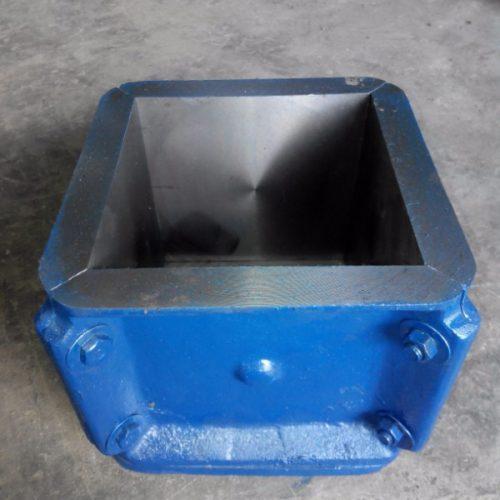 cetakan beton kubus