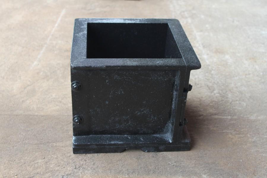 cetakan kubus beton murah